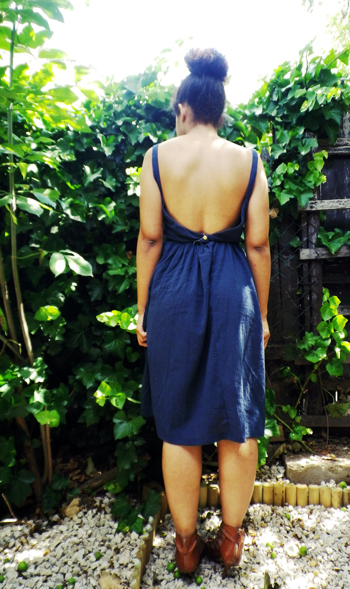 TheSecretCostumier-backless dress back