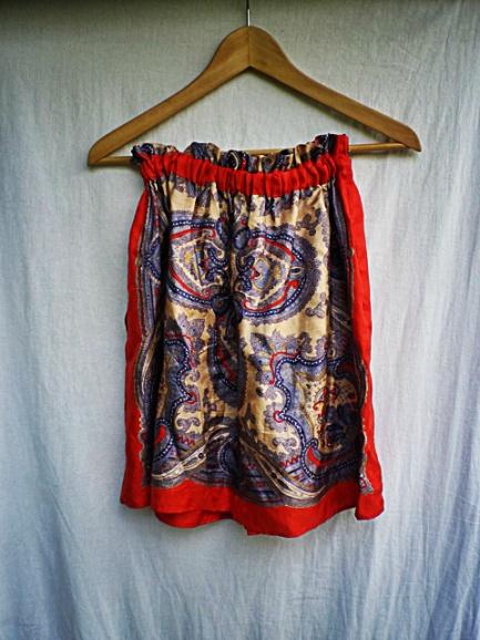 TheSecretCostumier - Thrift store finds - Zara skirt