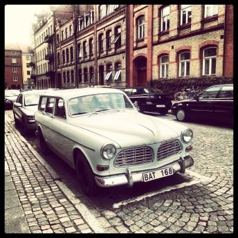 TheSecretCostumier - an old Volvo in Lund