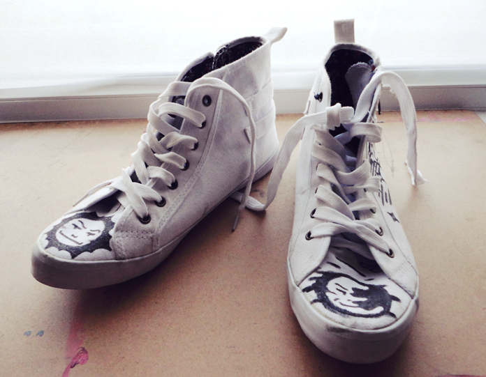 TheSecretCostumier - Inspiration #3 - Embellished sneakers