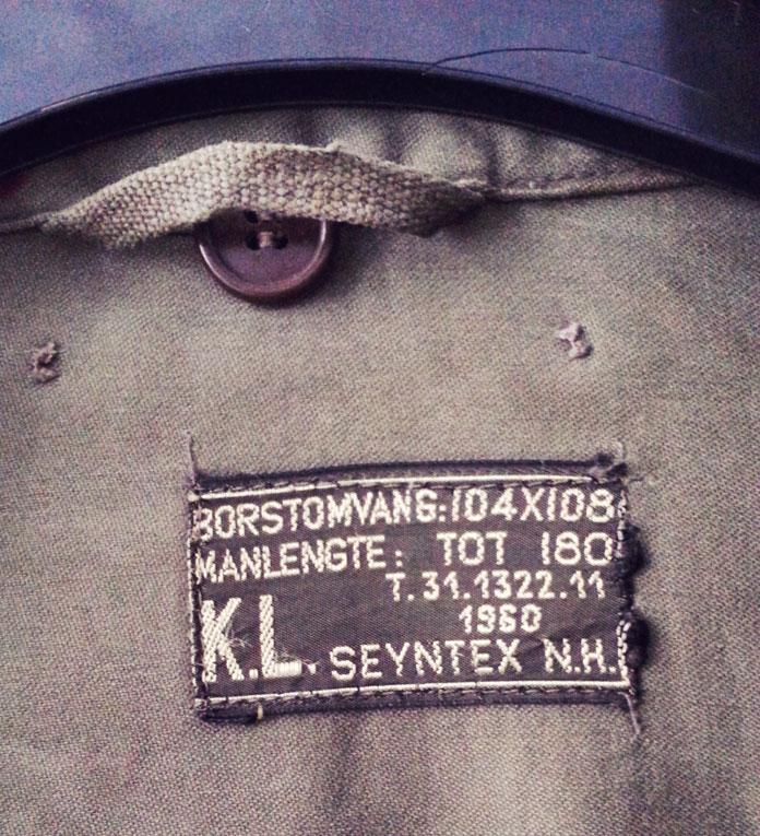 DIY - Military jacket refashion by TheSecretCostumier