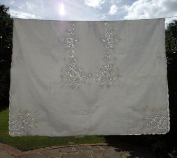 1 tablecloth still